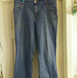 Women's Levi's relaxed boot cut 550 jeans size 14M